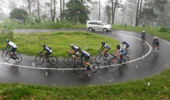 Bromo Cycling JPG